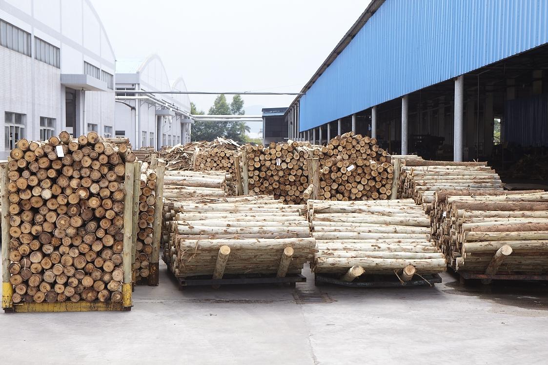 原木旋切桉木中板_高平整度整芯板